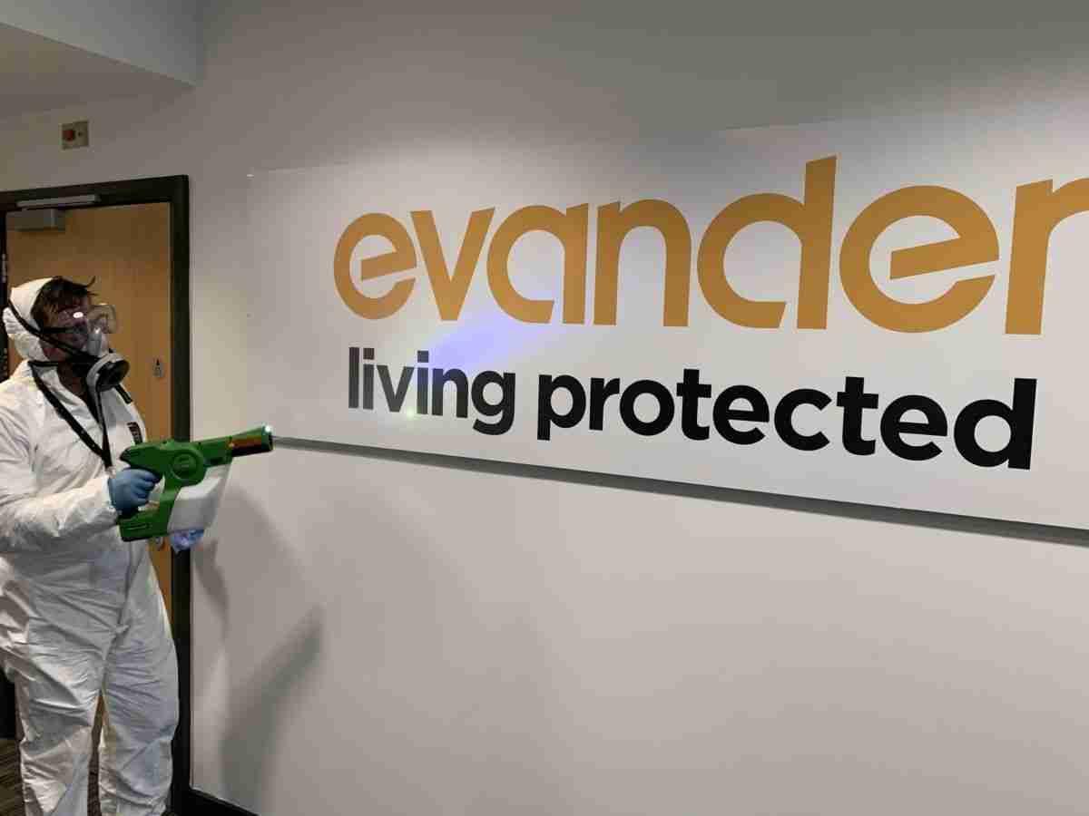 Evander Sign